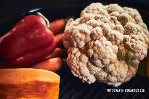 Sancocho van geroosterde groenten 'caveman style'